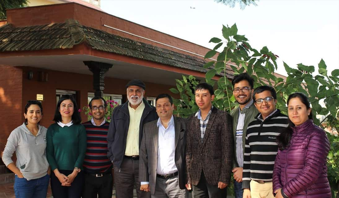 Mr Sashi Kumar with UMCDSRC Scholars