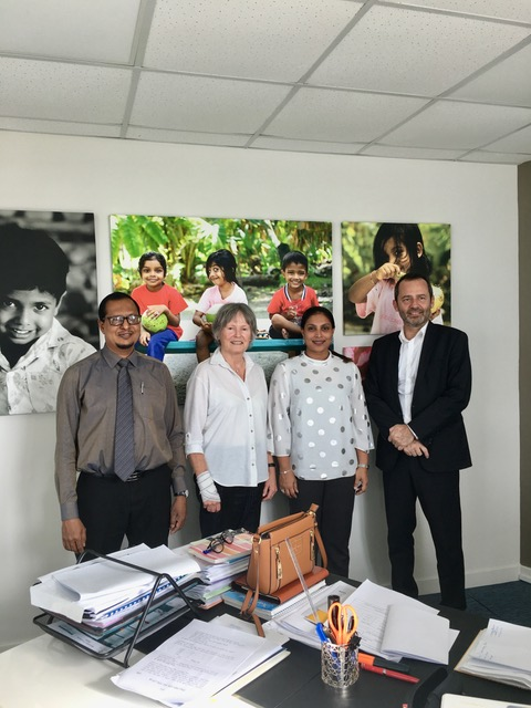 Mme France Marque is with H.E. Minister of Education of Maldives Ms Aishat Ali; Mr Eric Falt and Mr Ahmed Mausoom Mohamed